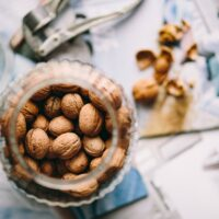 close_up_nuts_top_view_walnuts-1626441