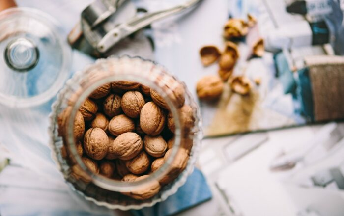 close_up_nuts_top_view_walnuts-1626441